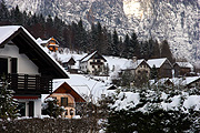 Europe, austria, austrian, obertraun, gmunden, snow, winter, snow scene, snow scenes, cold, chalet, chalets, house, houses, housing, architecture, roof, roofs, rooves, FF25,