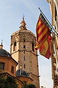 Europe, Spain, Spanish, Valencia, plaza, plazas, plaza de la virgen, virgin, virgins, cathedral, cathedrals, miguelete, cathedral miguelete, miguelete cathedral, architecture, religion, religious, religious building, religious buildings, flag, flags, spanish flag, spanish flags, tower, towers, FF25,