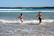 Australia, SA, South Australia, Kangaroo Island, Island, islands, bay, bays, vivonne, vivonne bay, coast, coasts, coastal, coastline, coastlines, child, children, boy, boys, surf, wave, waves.