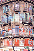 Graffiti, grafitti, deface, defaced, defacing, vandalism, vandalise, vandalisation, wall, walls, paris, france, AB67,