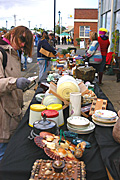 Australia, tas, tassie, tasmania, people, market, markets, market stall, market stalls, stall, stalls, recycle, recycles, recycling, table, tables, plate, plats, woman, women, shopper, shoppers, shell, shells.