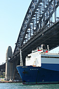 Australia, New South Wales, sydney, transport, ship, ships, shipping, freighter, freighters, harbour, harbours, sydney harbour, bridge, bridges, harbour bridge, sydney harbour bridge, car, cars, vehicle, vehicles, DFF, DFFTRANSP.