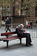 Australia, New South Wales, sydney, anzac, anzacs, anzac day, anzac days, man, men, male, males, sleep, sleeps, sleeping, asleep, old man, old men, elderly man, elderly men, aged, martin place, bench, benches.