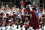 Australia, New South Wales, sydney, parade, parades, christmas, christmas scene, christmas scenes, band, bands, scottish, bagpipe, bagpipes, musical instrument, musical instruments, people.