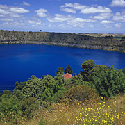 Australia, sa, south australia, mount gambier, lake, lakes, blue, blue lake, blue lakes, water, crater, craters, volcano, volcanoes.
