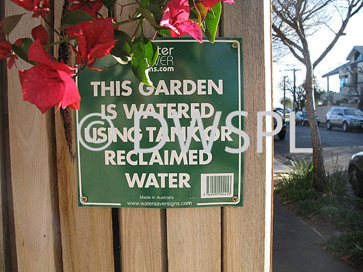 stock photo image: Australia, vic, victoria, water, sign, signs.