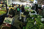 Australia, nsw, sydney, people, haymarket, haymarkets, market, markets, people, shopper, shoppers, shopping, vegetable, vegetables, box, boxes, cardboard, cardboard box, cardboard boxes, fruit, market stall, market stalls.