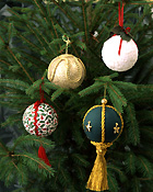 Christmas, christmas scene, christmas scenes, christmas tree, christmas trees, christmas decoration, christmas decorations, bauble, baubles, christmas bauble, christmas baubles, PINE TREE, PINE TREES.