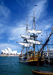 Australia, New South Wales, Sydney, Sydney Harbour, Sydney Harbor, Sydney Opera House, Architecture, Joern Utzon, opera house, bounty, hms bounty, the bounty, cloud, clouds, sky, skies, sky scenes, ship, ships, sailing ship, sailing ships, early sailing ship, early sailing ships.