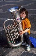 Australia, child, children, new South Wales, nsw, busk, busks, busking, busker, buskers, girl, girls, female, females, outdoors, instrument, instruments, musical instrument, musical instruments.