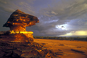 Australia, WA, Western Australia, Broome, Crab Creek, clouds, sky, skies, sky scenes, thunderstorm, thunderstorms, thunder cloud, thunder clouds, storm, storms, rock, rocks, rock structures.