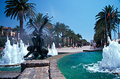 Europe, Spain, Salou, Costa Dorada, fountain, fountains, passeig de jaume, palm tree, palm trees, FF25,