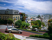 USA, America, united states, united states of america, california, san francisco, street, streets, road, roads, sealed road, sealed roads, lombard, lombard street, car, cars, vehicle, vehicles, motorcar, motorcars, motor car, motor cars, transport, transportation, vehicle, vehicles, bend, bends, FF25,