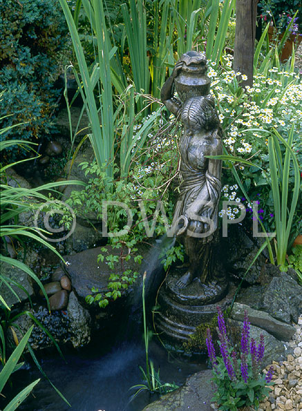 Stsatuette For Outdoor Ponds: STATUE OF LADY HOLDING WATER POT AND SMALL GARDEN POND