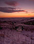 Europe, Western Europe, UK, Britain, British Isles, England, United Kingdom, Great Britain, derbyshire, peak, peak district, baslow, baslow edge, winter, winter scene, winter scenes, gate, gates, snow, snow scene, snow scenes, sunset, sunsets, sunrises and sunsets, gate, gates, FF25,