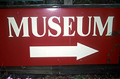 Sign, signs, museum, museums, arrow, arrows.