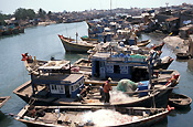 Asian, South East Asia, SE Asia, vietnam, phan tiet, boat, boats, fishing, fishing boat, fishing boats, river, rivers.