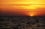Sea, Seas, Seascape, Seascapes, ocean, oceans, sunset, sunsets, sunrises and sunsets, water, water scene, water scenes, sun, the sun, Malaysia, mood, mood scene, mood scenes, cloud, clouds.