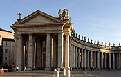 Europe, Italy, Italian, Rome, Vatican, Vatican City, St Peters, St Peters Square, Architecture, column, columns, pillar, pillars, statue, statues, FF25,