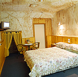 Australia, South Australia, SA, Outback, australian outback, outback australia, coober pedy, motel, motels, hotel, hotels, dugout, dugouts, bed, beds, bedroom, bedrooms.