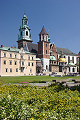 Poland, krakow, cracow, architecture, church, churches, cathedral, cathedrals, royal cathedral, religious, religious building, religious buildings, wawel, wawell hill, dome, domes, window, windows, cross, crosses, park, parks, FF25,