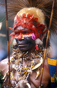 New guinea, papua new guinea, mount hagen, mt hagen, mount hagen show, mt hagen show, ceremony, ceremonies, man, men, male, males, hat, hats, jewellery, necklace, necklaces, people, performer, performers, face paint, face paints, face painting, body paint, bodypaint, tribe, tribes, tribal.