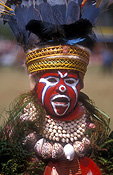 New guinea, papua new guinea, mount hagen, mt hagen, mount hagen show, mt hagen show, ceremony, ceremonies, hat, hats, man, men, male, males, jewellery, necklace, necklaces, people, performer, performers, shell, shells, seashell, seashells, feather, feathers.