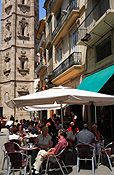 Europe, Spain, Spanish, Valencia, plaza, plazas, café, cafes, umbrella, umbrellas, table, tables, people, santa catalina, plaza santa catalina, FF25,